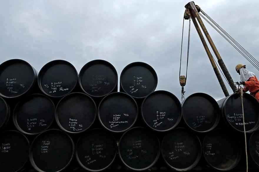Petróleo sube más de 1% por esperanzas de recuperación económica